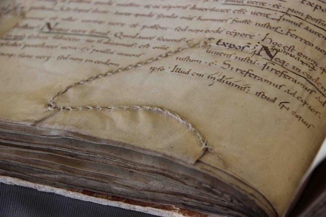 Nghệ thuật vá sách thời Trung Cổ: Sự sáng tạo tuyệt vời ai nhìn cũng phải trầm trồ 8