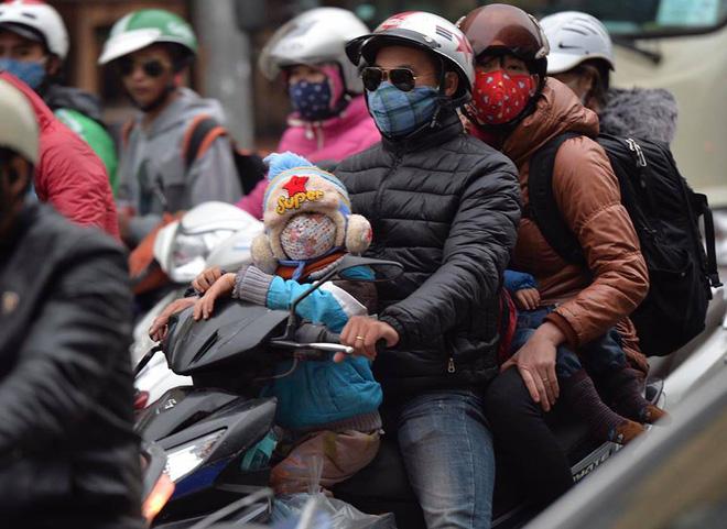 Người dân ùn ùn về lại Hà Nội sau kỳ nghỉ tết, cửa ngõ phía nam bắt đầu đông đúc 2