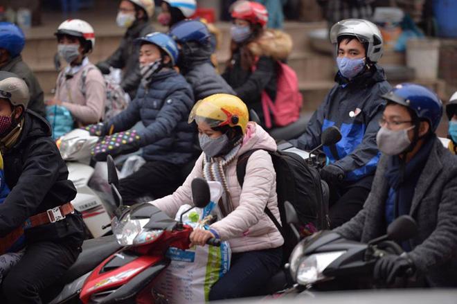 Người dân ùn ùn về lại Hà Nội sau kỳ nghỉ tết, cửa ngõ phía nam bắt đầu đông đúc 3