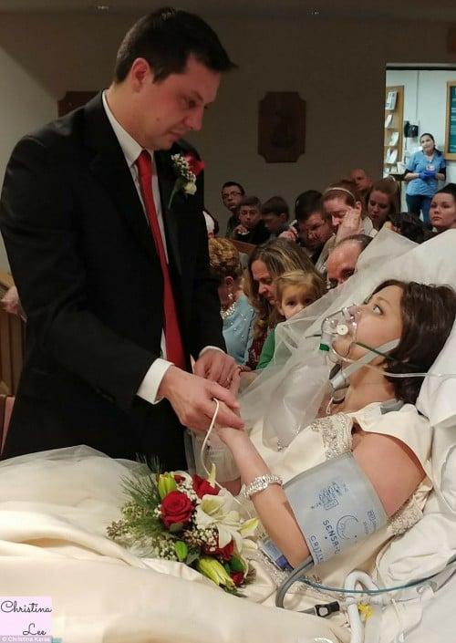 Lễ cưới đẫm nước mắt của cô gái bị ung thư 18 tiếng trước khi qua đời 5