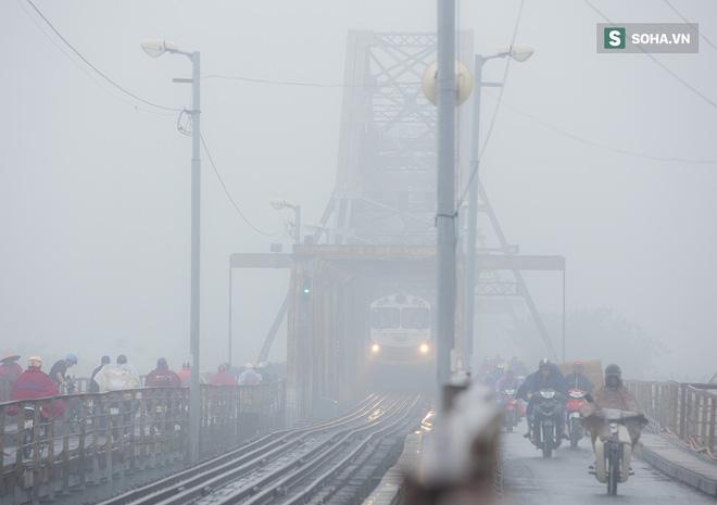 Hà Nội mờ ảo trong sương mù dày đặc 2
