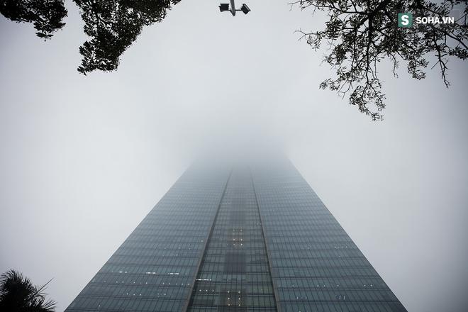 Hà Nội mờ ảo trong sương mù dày đặc 9