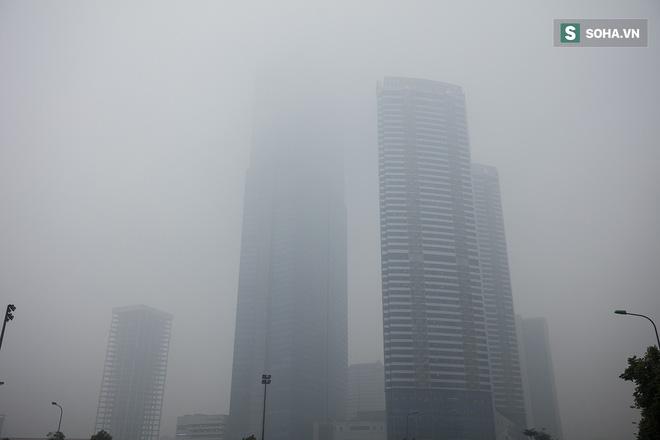 Hà Nội mờ ảo trong sương mù dày đặc 7