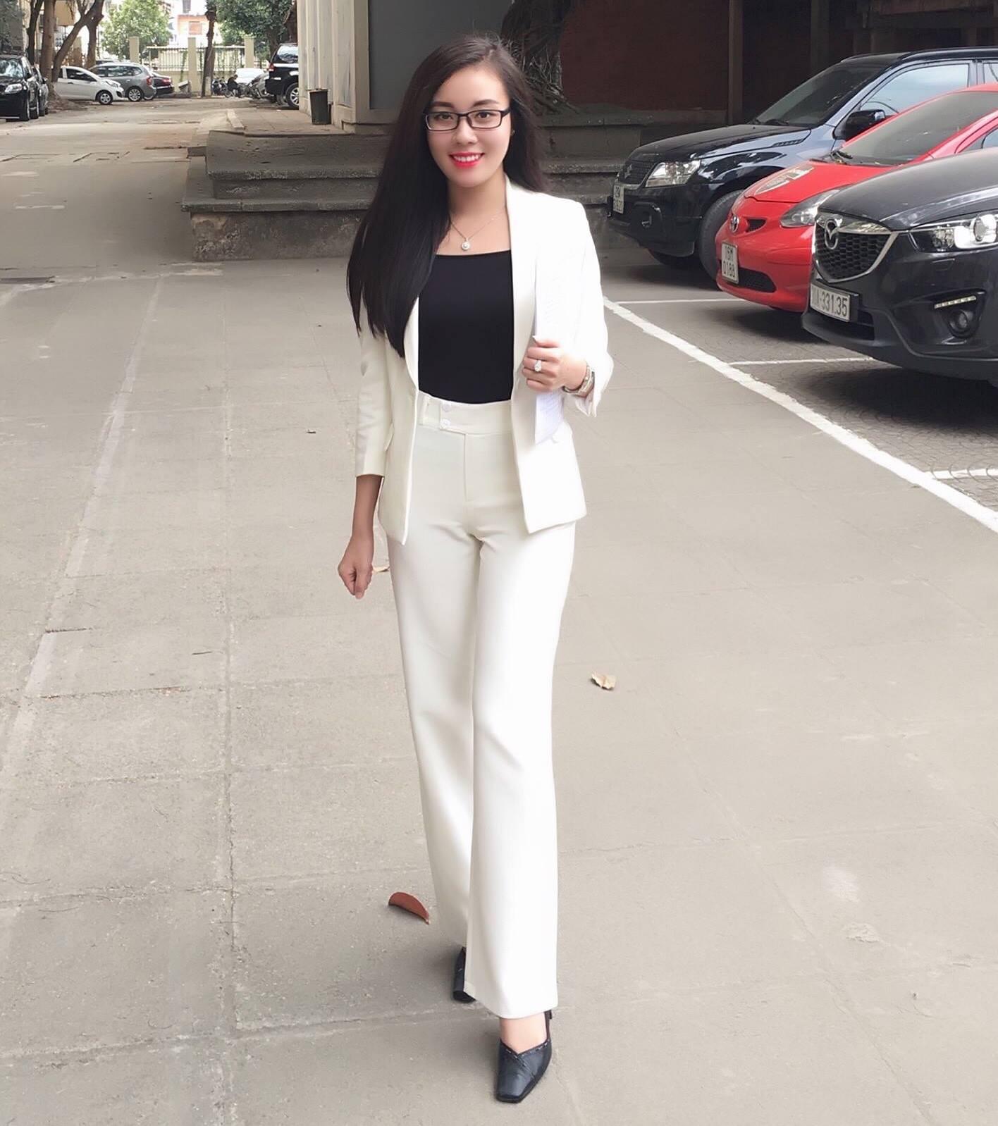 Nữ giảng viên ĐH Quốc gia Hà Nội gây chú ý với vẻ ngoài nóng bỏng 5