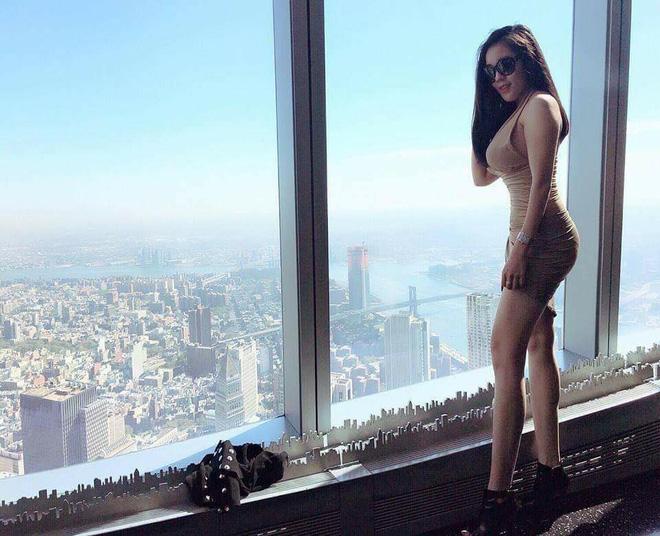 Nữ giảng viên ĐH Quốc gia Hà Nội gây chú ý với vẻ ngoài nóng bỏng 2