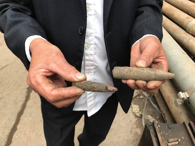 Nhặt vỏ đạn sau vụ nổ kinh hoàng tại Bắc Ninh, người đàn ông bị nổ nát bàn tay 2