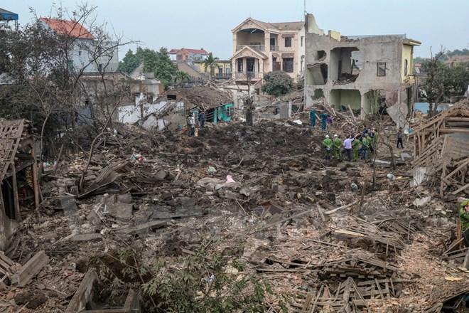 Tan hoang làng Quan Độ sau vụ nổ bom kinh hoàng 1