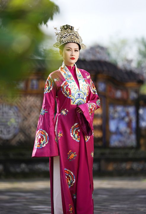 Ngọc Tình, Khánh Ngân tái hiện hình ảnh vương triều Huế xưa 8