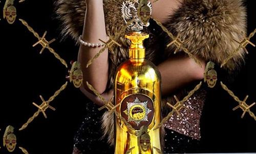 Chai rượu đính kim cương đắt nhất thế giới bị đánh cắp 1