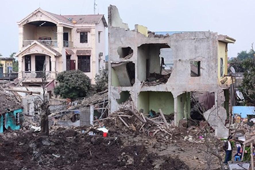 Thu gom được gần 7 tấn đầu đạn và các mảnh kim loại sau vụ nổ kinh hoàng tại Bắc Ninh 2