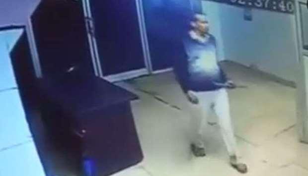 Thảm sát Ấn Độ: Cựu sĩ quan dùng gậy sắt đánh chết 6 người trong 2 giờ đồng hồ 1