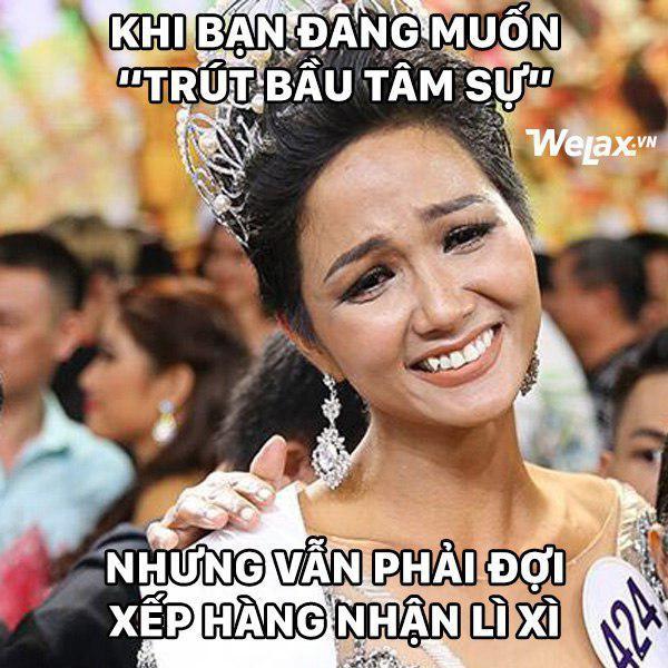 Biểu cảm lúc đăng quang không rõ 'cười hay mếu' của Tân hoa hậu Hoàn vũ H'Hen Niê lại thành nguồn chế ảnh bất tận! 6