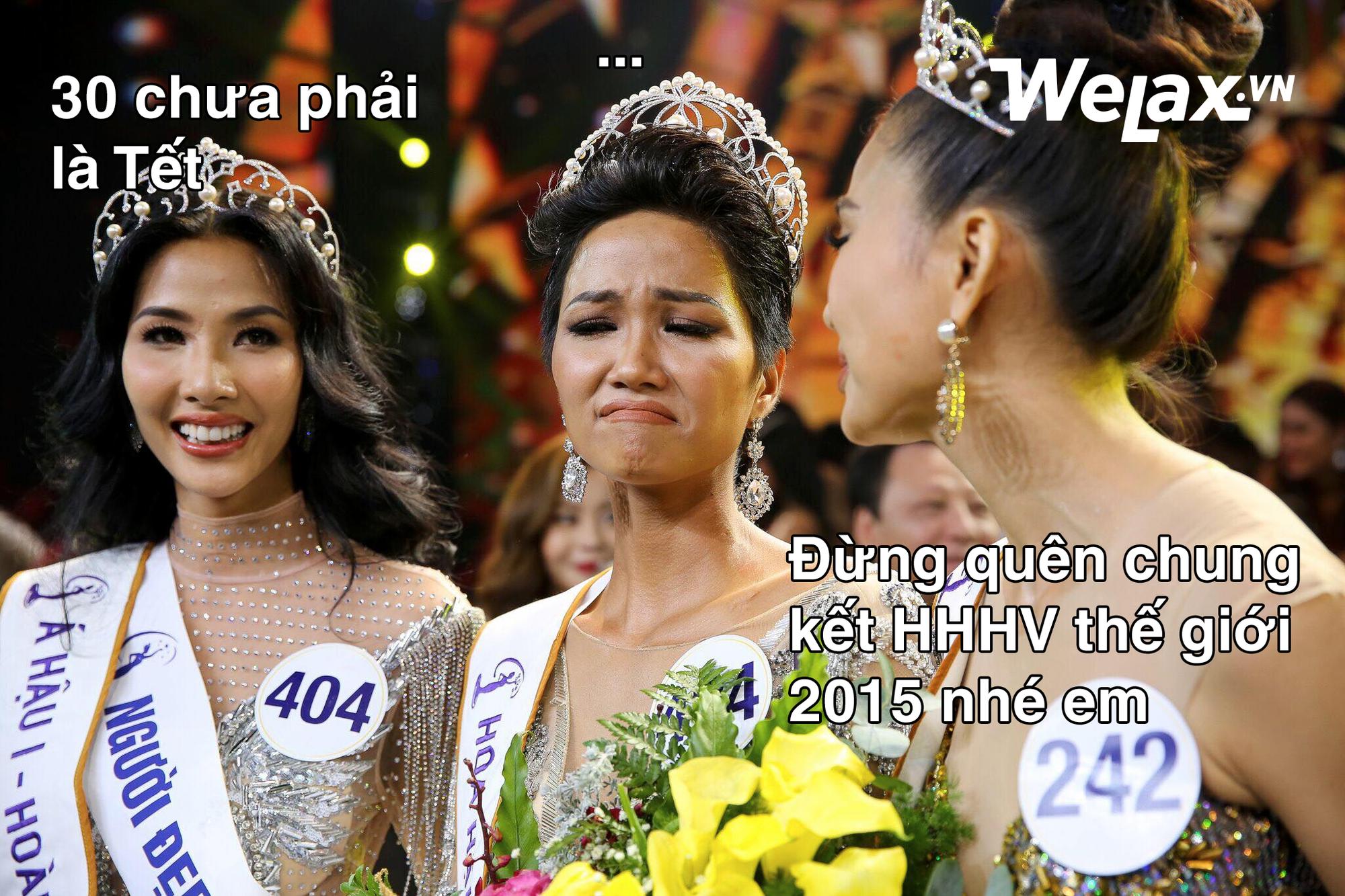 Biểu cảm lúc đăng quang không rõ 'cười hay mếu' của Tân hoa hậu Hoàn vũ H'Hen Niê lại thành nguồn chế ảnh bất tận! 11