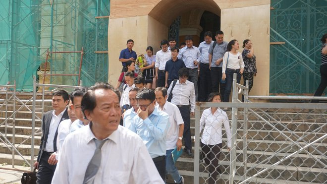 Chùm ảnh Trầm Bê mỏi mệt, Phạm Công Danh bật khóc ngày đầu xử đại án thiệt hại 6.000 tỷ 14