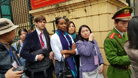 Xe đặc chủng đưa ông Đinh La Thăng, Trịnh Xuân Thanh đến tòa, bắt đầu phiên xét xử 5
