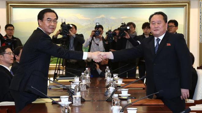 Đối thoại Hàn-Triều: Bất ngờ với lời đầu tiên 2 bên nói khi đối mặt sau 2 năm  2