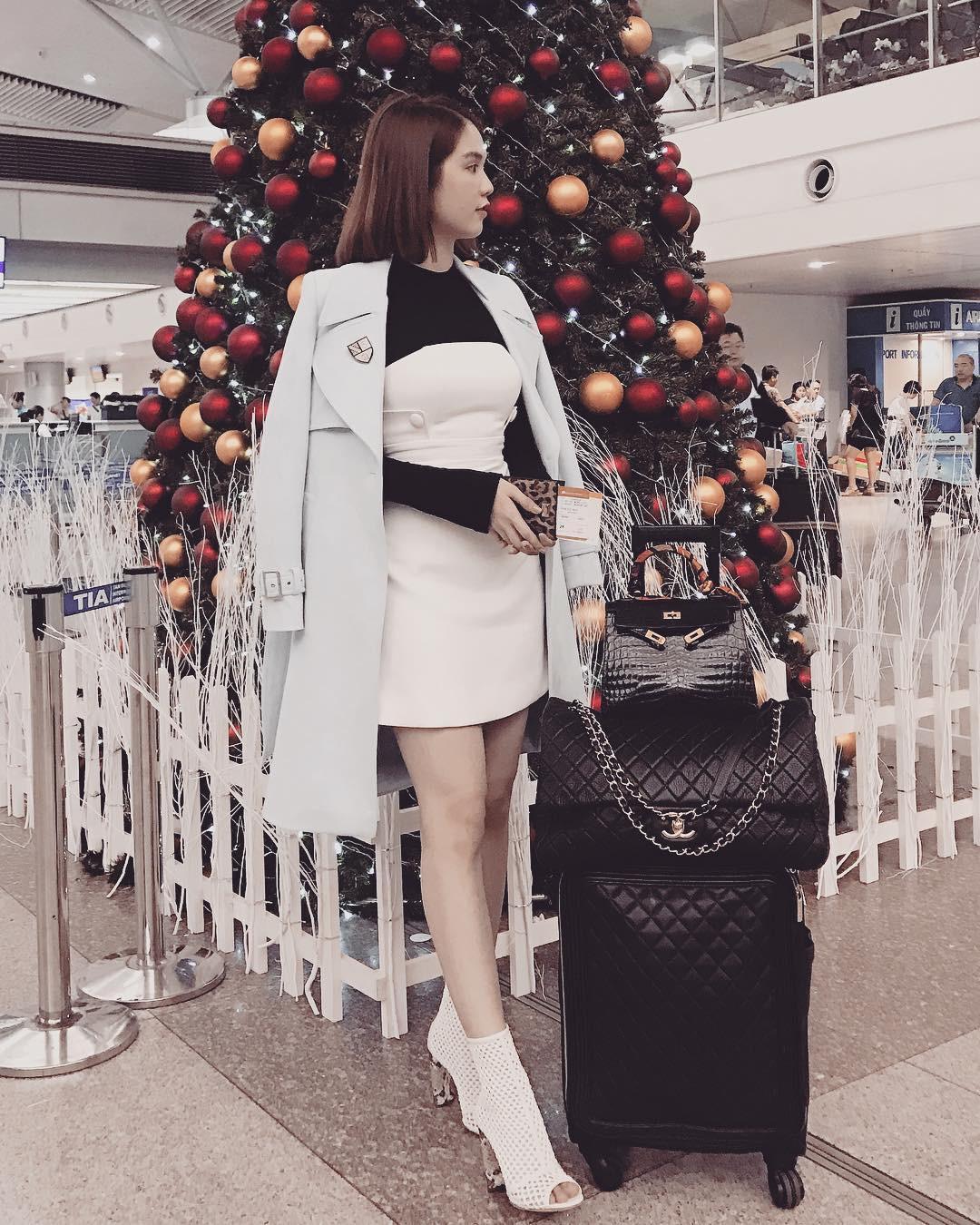 Có ai chịu chơi như Ngọc Trinh, sắm thêm vali Chanel cả trăm triệu dù đã có sẵn, chỉ khác màu 3
