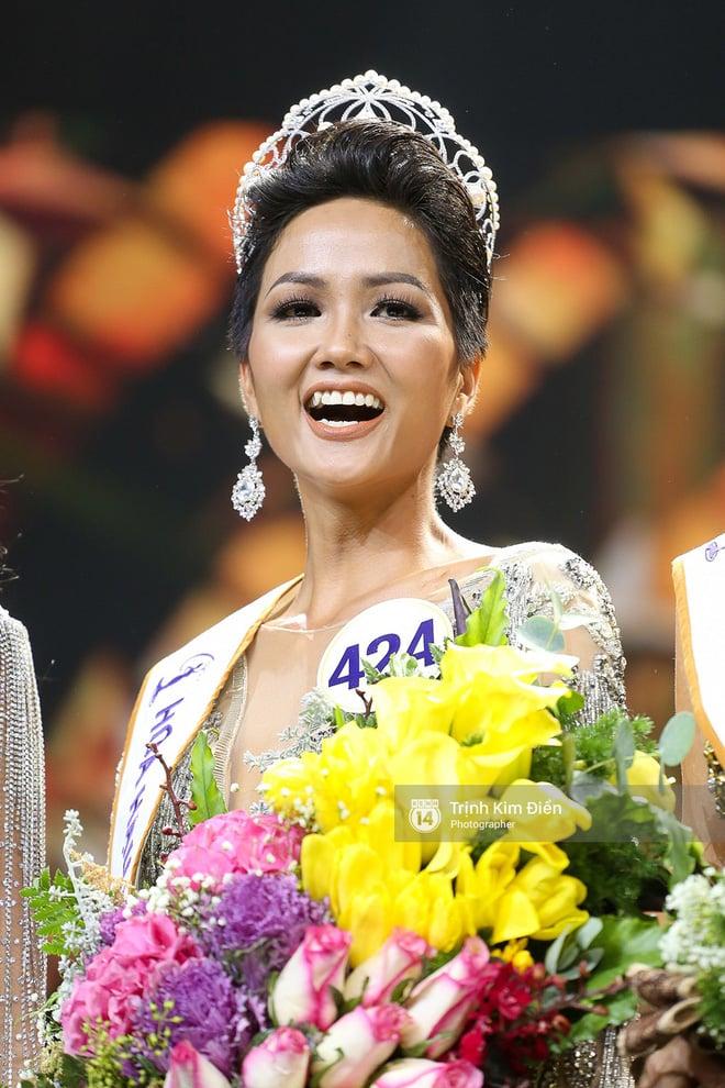 HHen Niê lần đầu trả lời phỏng vấn sau đăng quang: