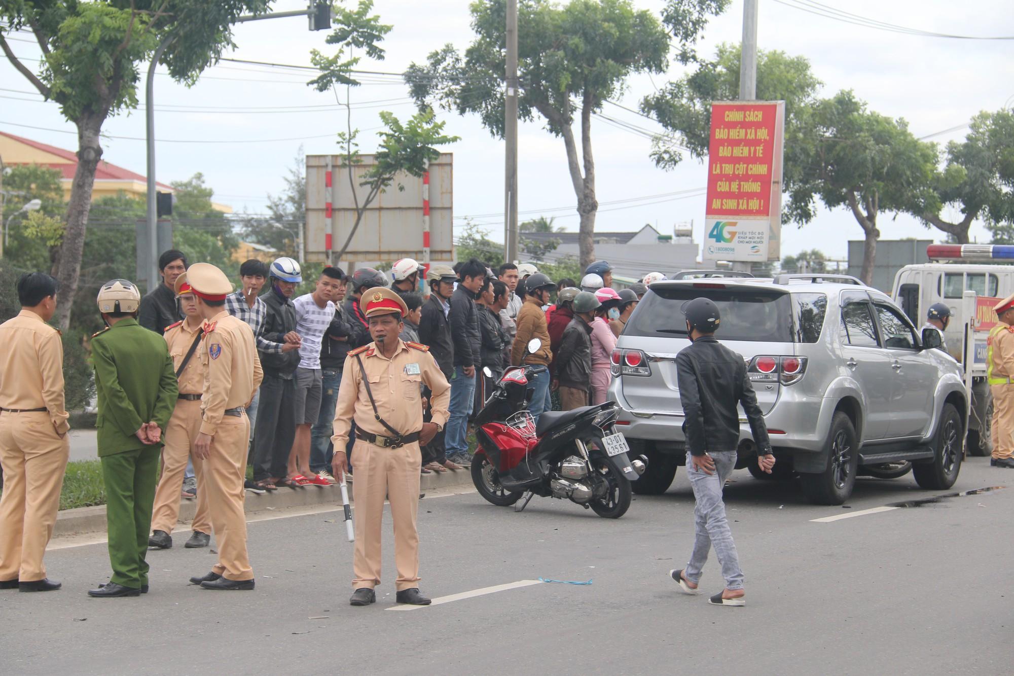 Đà Nẵng: Ô tô biển xanh va chạm với xe máy, người đàn ông chết thương tâm 3