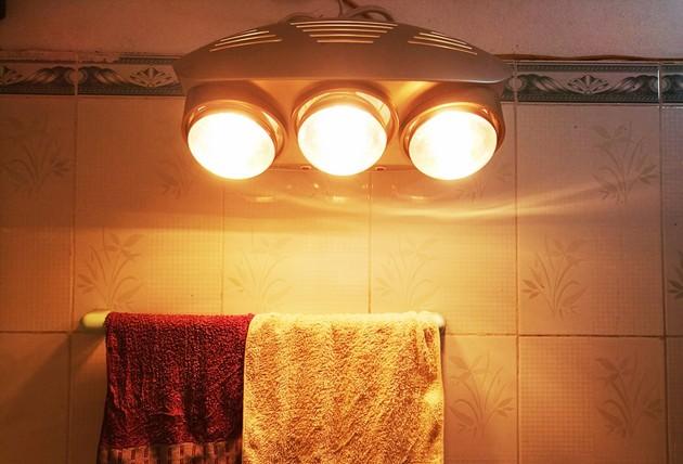 Rét đậm thì nhớ dùng đèn sưởi đúng cách nếu không muốn ngột ngạt hoặc bỏng da 3