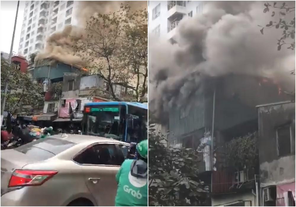 Hà Nội: Cháy lớn ngôi nhà 4 tầng cạnh Chợ Mơ, nhiều người hoảng sợ tìm cách tháo chạy 1