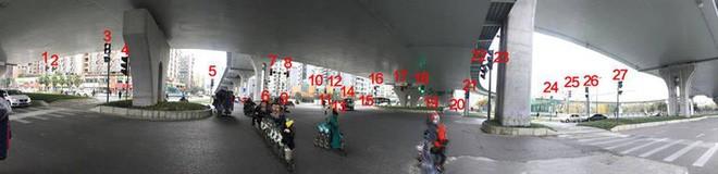 Trung Quốc: Người dân hoang mang vì ngã tư này có tới... 37 cột đèn giao thông 1