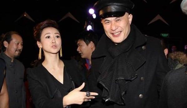 Chuyện tình như cổ tích và hành động khó tin của vợ 'ông vua phim cấp ba Hong Kong' 7