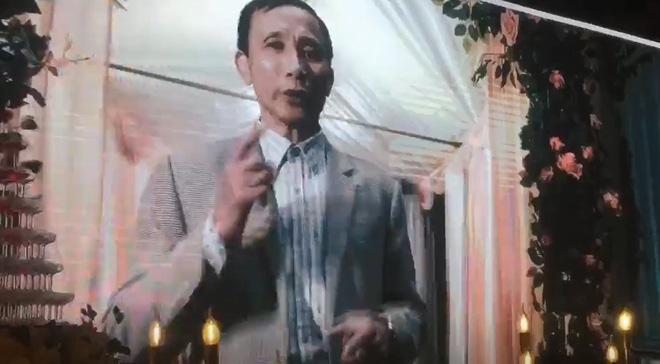 Hình ảnh Bố mẹ Nhật Anh Trắng bắn rap cực chất trong đám cưới của con trai số 3