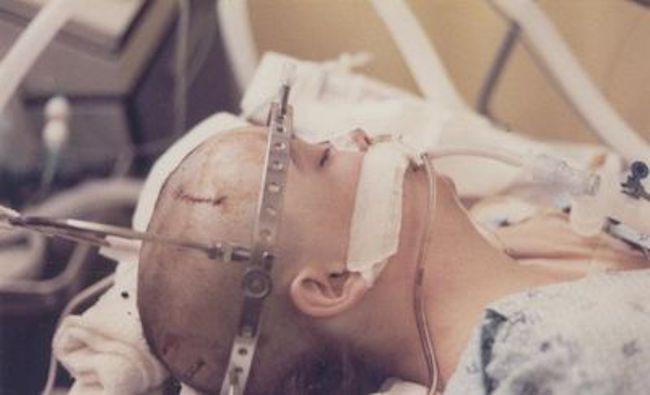 20 năm chìm trong hôn mê, đến khi tỉnh dậy, cô gái nói cho gia đình nghe một sự thật khiến y học kinh ngạc 2