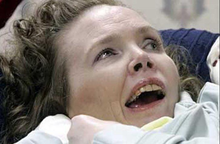 20 năm chìm trong hôn mê, đến khi tỉnh dậy, cô gái nói cho gia đình nghe một sự thật khiến y học kinh ngạc 4