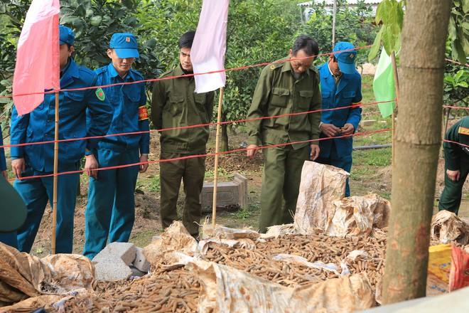 Hình ảnh Vụ dân cất giữ gần 6 tấn đầu đạn ở Hưng Yên: Điểm tập kết ngay sau UBND xã số 1