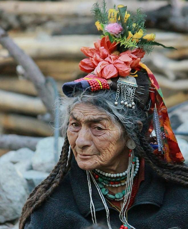 Vùng đất kỳ lạ nơi đàn ông được phép 'trao đổi' vợ thoải mái với người khác 4