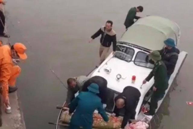Hình ảnh Vụ chìm tàu, 8 người mất tích: Tìm thấy thi thể một thuyền viên số 1