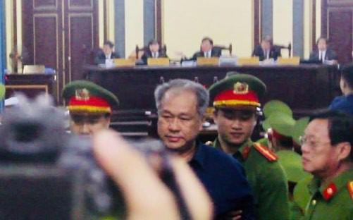 Người đại diện nói ông Trần Bắc Hà đã nhập viện tại Singapore 1