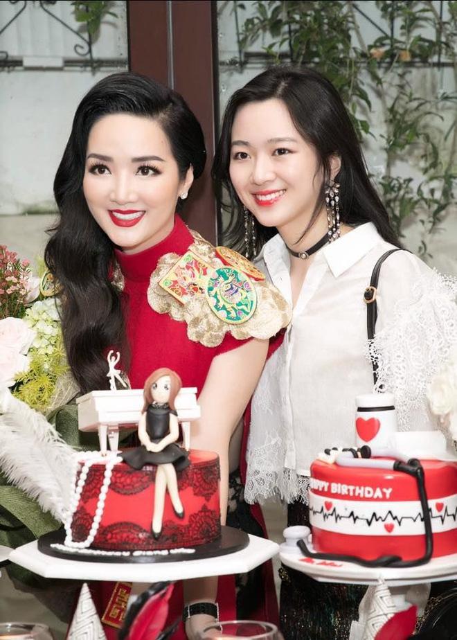 Hình ảnh Hội út cưng nổi tiếng trong giới con nhà giàu Việt số 21