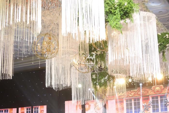 Không gian đám cưới lung linh của em gái Trấn Thành và bạn trai người Hồng Kông - Ảnh 8.