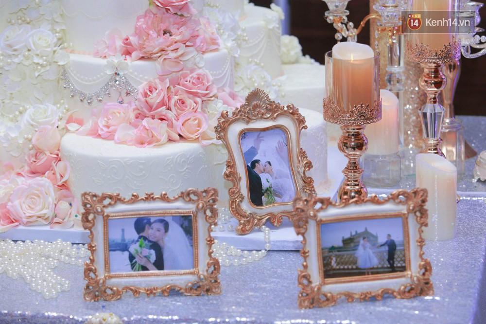 Cập nhật: Ngọc Duyên cực xinh đẹp, hạnh phúc sánh đôi bên ông xã hơn 18 tuổi trong tiệc cưới xa hoa tại Hà Nội 11