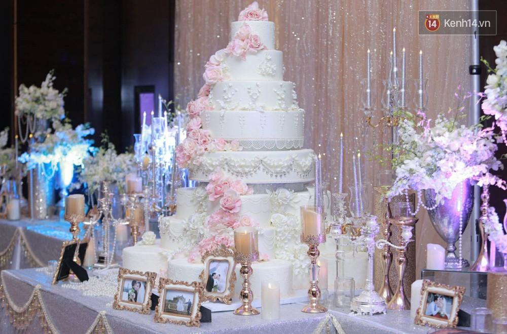 Cập nhật: Ngọc Duyên cực xinh đẹp, hạnh phúc sánh đôi bên ông xã hơn 18 tuổi trong tiệc cưới xa hoa tại Hà Nội 10