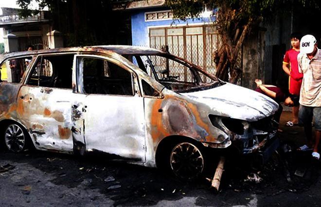 Công an vận động 9 đối tượng hỗn chiến, đốt xe ô tô ra đầu thú 1