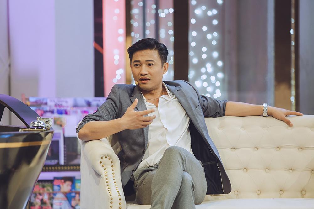 Quý Bình nỗ lực thoát khỏi mác diễn viên cầm mic sau 'tai nạn' để đời 3