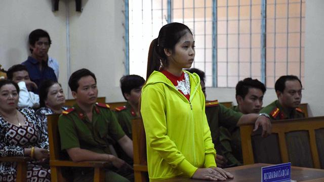 Thiếu nữ tiếp tay cho kẻ đâm chết người lĩnh 12 năm tù 1