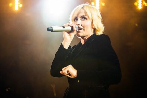 Nữ ca sĩ nhóm nhạc The Cranberries đột tử ở tuổi 46 1
