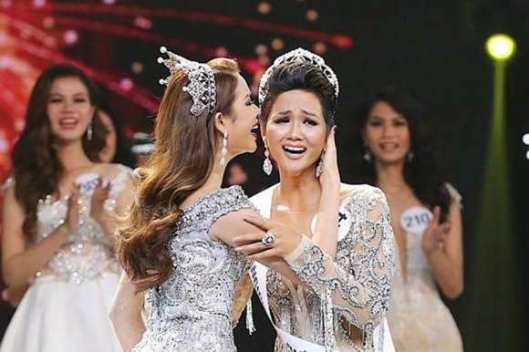 Tân Hoa hậu H'Hen Niê mở lại facebook sau 1 tuần tuyên bố hạn chế dùng mạng xã hội 2