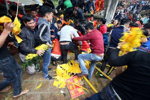 Lễ hội đền Gióng 2018 sẽ bỏ màn rước lộc hoa tre để tránh tình trạng bạo lực 1