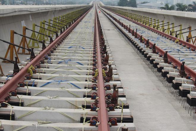 Cận cảnh 2km đường ray đầu tiên của tuyến metro trị giá 2,49 tỷ USD Bến Thành - Suối Tiên 8