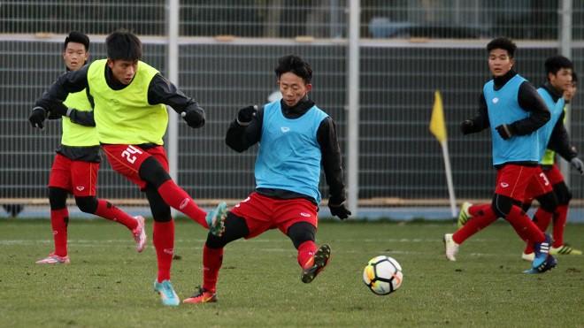 HLV Park Hang Seo và kế hoạch biến cầu thủ Việt Nam khỏe như Hàn Quốc - Ảnh 3.