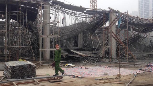 Thông tin mới nhất vụ sập giàn giáo ở Hà Nội khiến 6 người thương vong 1