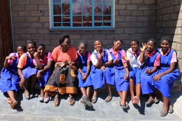 Ở nơi băng vệ sinh đắt bằng cả ngày lương, cứ 'đến tháng' các thiếu nữ phải nghỉ học cả tuần vì xấu hổ 2
