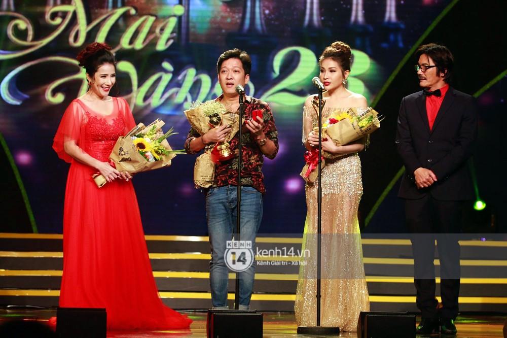 HOT: Trường Giang bất ngờ cầu hôn Nhã Phương ngay tại lễ trao giải Mai Vàng trước hàng nghìn khán giả 1