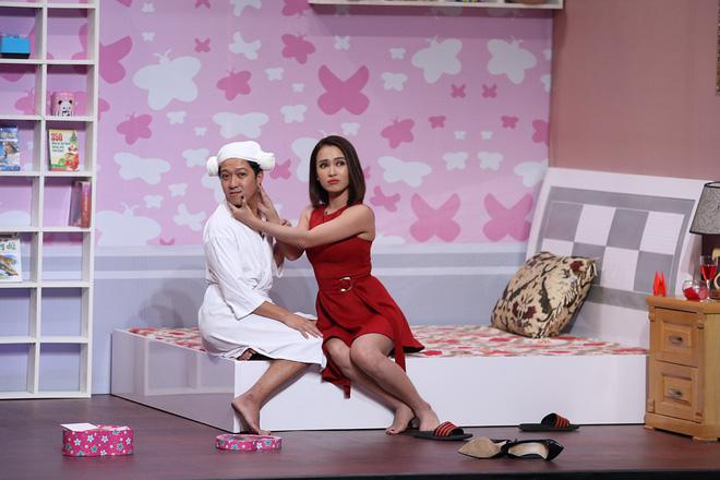 Vừa cầu hôn Nhã Phương xong, Trường Giang đã đòi 'lên giường' ngay với bạn thân người yêu 5